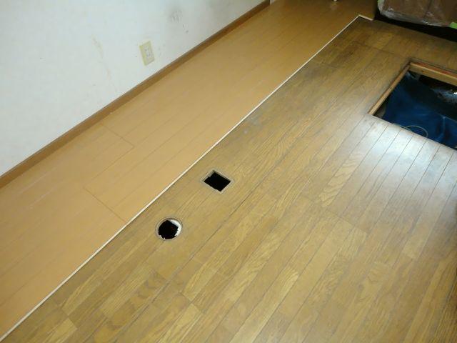床暖房 施工の様子